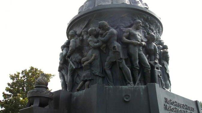 csa-memorial-02-062803