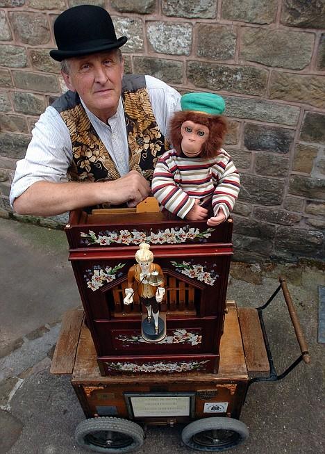monkey and organ grinder